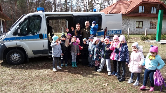 You are browsing images from the article: Wycieczka do lasu – 19.03.2019
