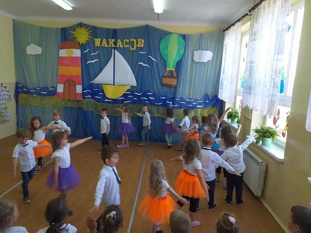 You are browsing images from the article: Uroczyste zakończenie roku przedszkolnego – 22.06.2021