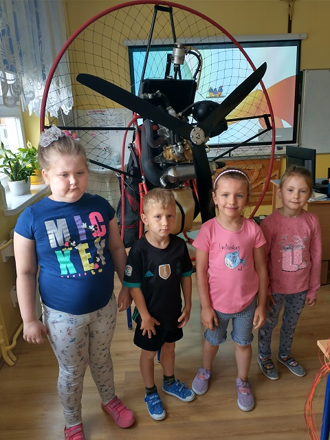 You are browsing images from the article: Spotkanie z paralotniarzem – 9.06.2021