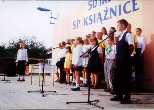 You are browsing images from the article: Uroczystość 50-lecia szkoły - 1.09.2002